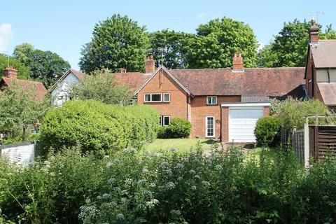 3 bedroom terraced house for sale - Guildford Road, Abinger Hammer