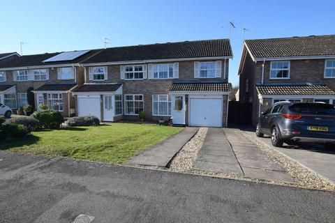 3 bedroom semi-detached house for sale - Dalesford Road, Aylesbury