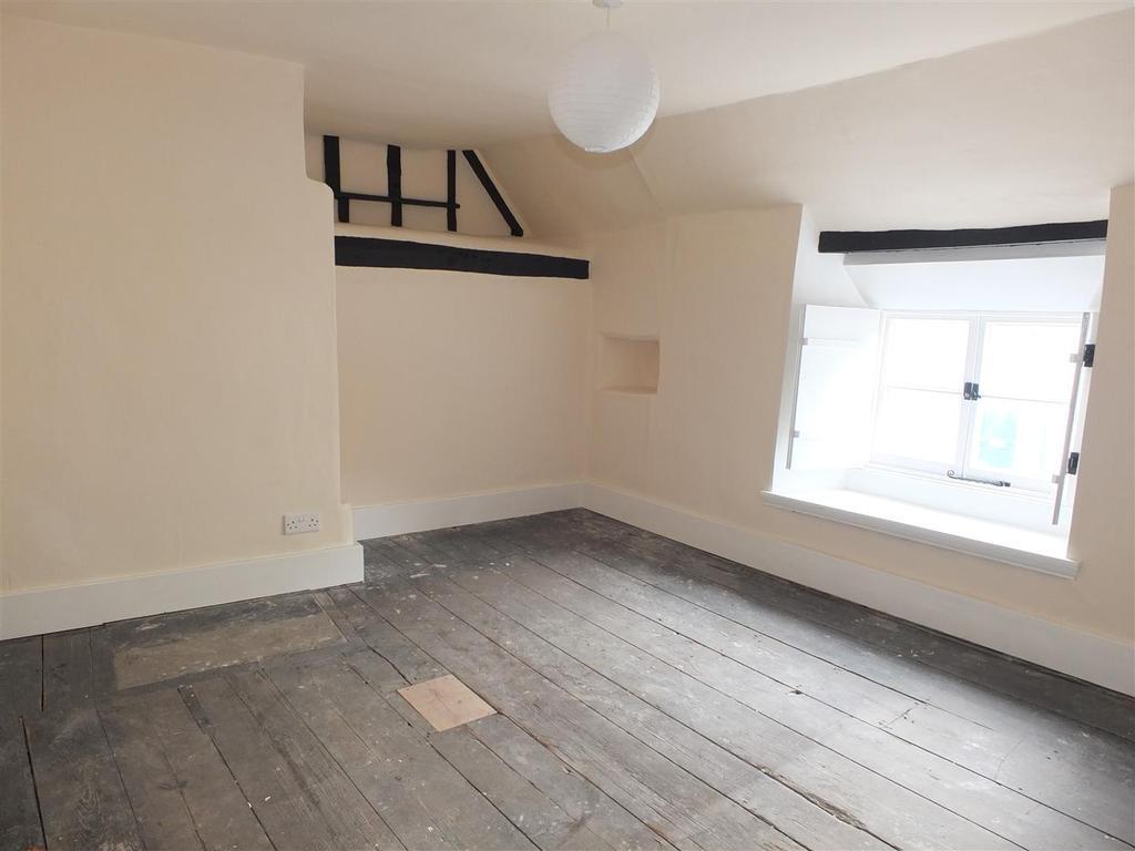Bedroom 3: (Front)
