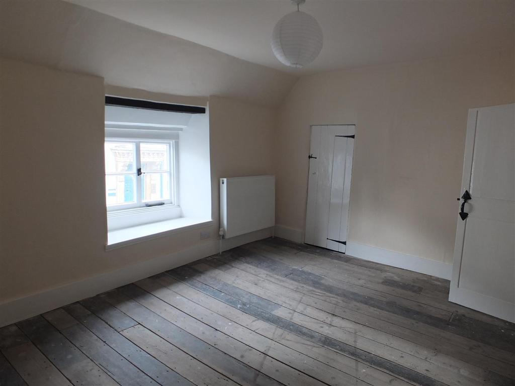 Bedroom 2: (front)