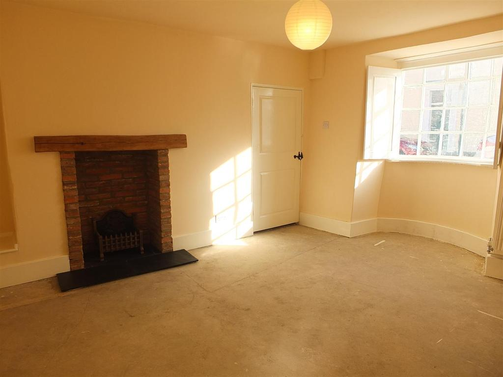 2nd Sitting Room or Dining Room: