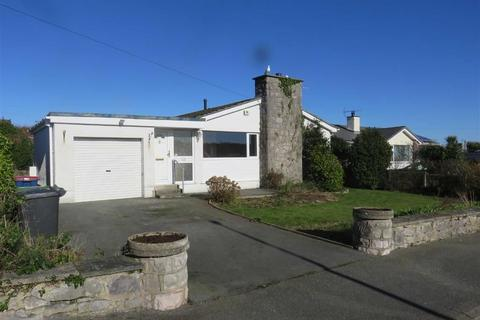 3 bedroom detached bungalow for sale - Lon Conwy, Benllech, Isle Of Anglesey