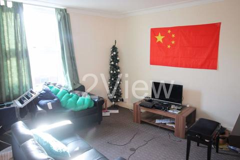 3 bedroom house to rent - Autumn Place, Leeds, West Yorkshire