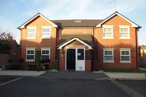2 bedroom apartment to rent - Westwood Road, Stockport