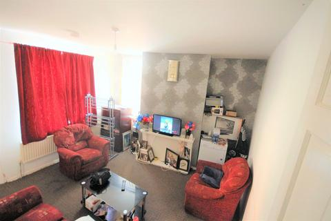 2 bedroom terraced house - Woodview Terrace, Leeds, West Yorkshire, LS11