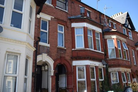 Studio to rent - Claude Place, Flat 4, Roath, Cardiff