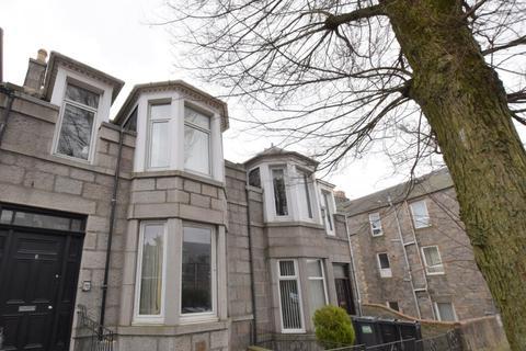 7 bedroom flat to rent - Sunnyside Road, Old Aberdeen, Aberdeen, AB24 3NE