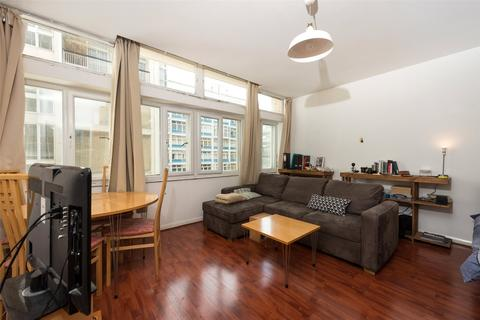 Studio to rent - West Block, Metro Central Heights, Newington Causeway, Elephant And Castle, SE1