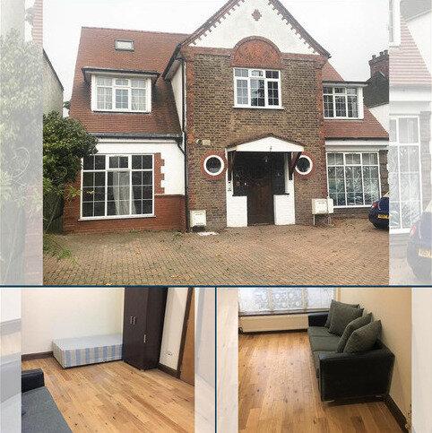 Studio to rent - Gunnersbury Avenue, Ealing, London W5
