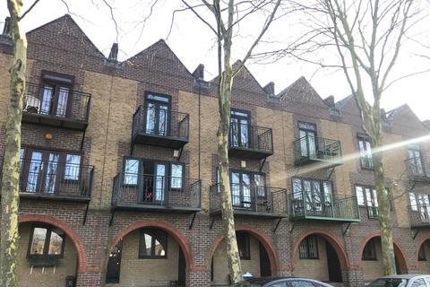 4 bedroom townhouse to rent - Greenland Quay Greenland Quay, Surrey Quays, London, London, SE16