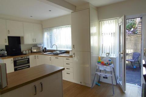 3 bedroom semi-detached house for sale - Avondale Road, Shipley, BD18 4QZ
