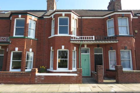 2 bedroom terraced house to rent - Knavesmire Crescent, South Bank