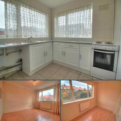 2 bedroom maisonette to rent - Kennedy Ave, .