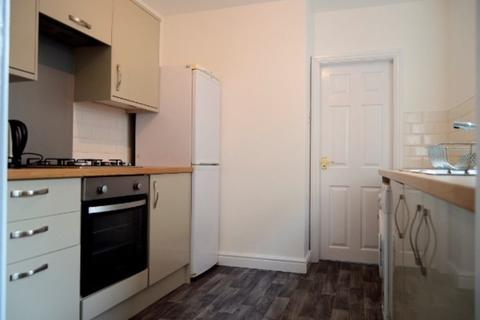4 bedroom house share to rent - Liverpool Road, Newcastle Under Lyme