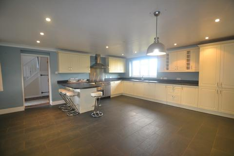 5 bedroom detached house to rent - Ringwood, Hampshire