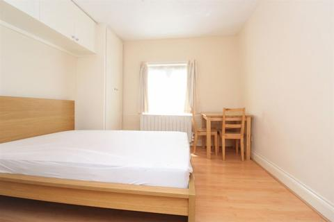 House share to rent - Cranbrook Park, Wood Green, N22