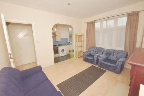 5 bedroom terraced house to rent - Ravenfield Road,Tooting Broadway, London
