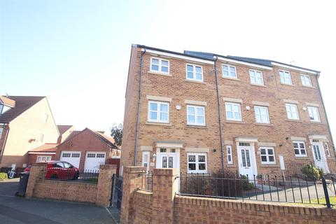 3 bedroom townhouse for sale - Dukesfield, Shiremoor, Newcastle Upon Tyne