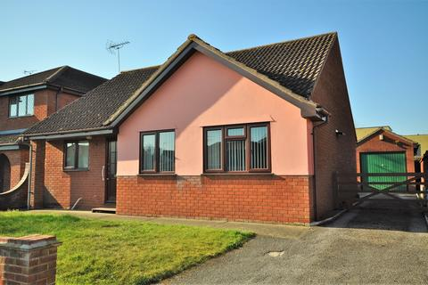 3 bedroom detached bungalow for sale - Harvest End, Stanway, CO3 0YX