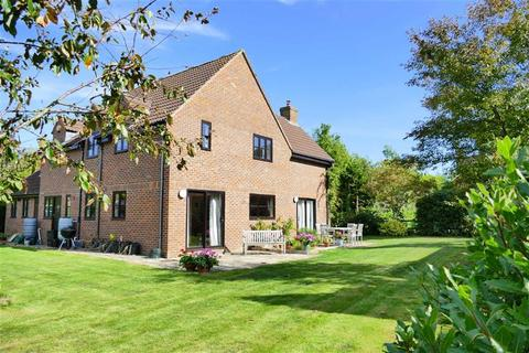 5 bedroom detached house for sale - The Quarry, Calne