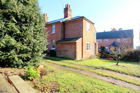 2 bedroom semi-detached house for sale - Pytches Road, Woodbridge IP12 1EX