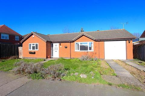 2 bedroom detached bungalow for sale - Wardens Walk, Leicester Forest East