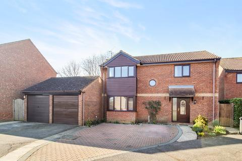 4 bedroom detached house for sale - Turner Road, Stowmarket, IP14