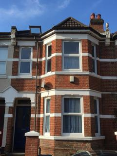 7 bedroom semi-detached house to rent - Silverdale, Southampton