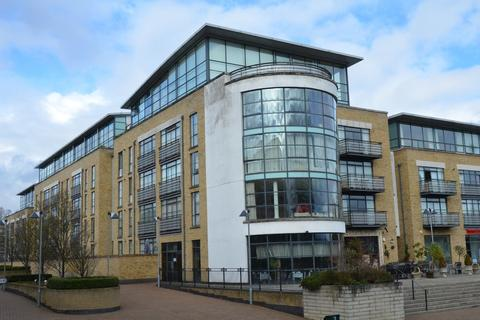 2 bedroom apartment for sale - Town Meadow, Brentford
