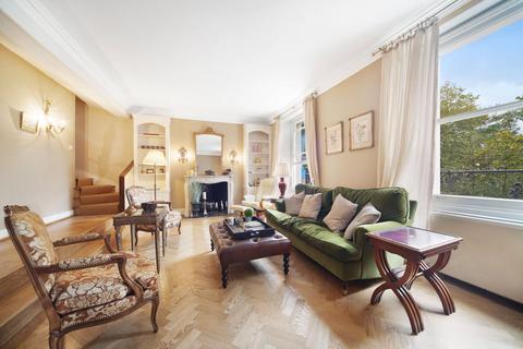 4 bedroom flat for sale - Cadogan Place, London, SW1X