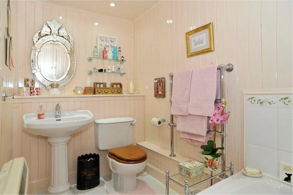 Lot 1 Annex Bathroom