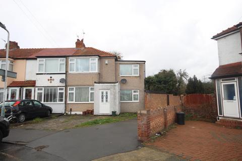 3 bedroom semi-detached house for sale - Lynhurst Road, Hillingdon, Middlesex, UB10 9ED