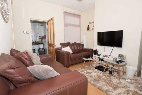 3 bedroom house to rent - Gerald Road, Salford