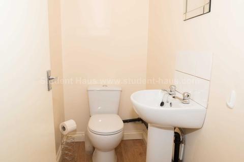 6 bedroom house to rent - Fitzwarren Street, Salford