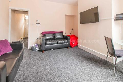 1 bedroom house to rent - 24 Welford Street, Salford, M6 6BB