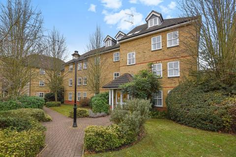 2 bedroom flat for sale - Alfred Close, Chiswick