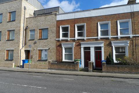 4 bedroom end of terrace house to rent - Marmont Road, London