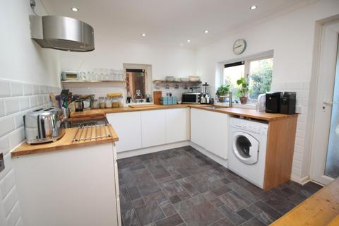 2 bedroom detached bungalow for sale - Windsor Close, Colchester, Essex, CO2