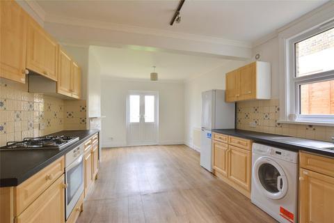 4 bedroom terraced house to rent - Heathwood Gardens, London, SE7