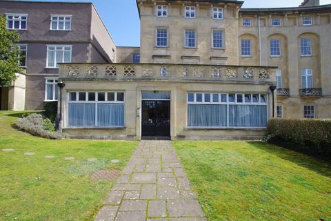 2 bedroom apartment for sale - ROYAL CRESCENT - CLOSE TO SEA FRONT
