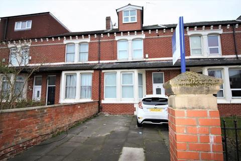 8 bedroom terraced house for sale - Woodlands Road, Middlesbrough