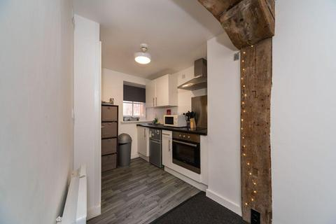 Studio to rent - Pacific Court, High Street, Hull, HU1 1NQ