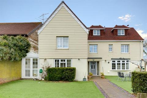 4 bedroom cottage for sale - Pad Farm, Coombes Road, Lancing, BN15 0RJ