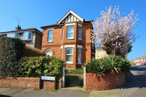 6 bedroom detached house to rent - Sedgley Road, Bournemouth