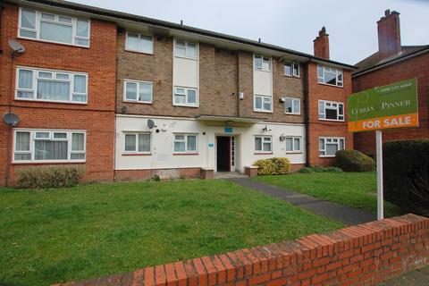3 bedroom flat for sale - Martins Road, Bromley, BR2