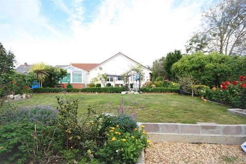4 bedroom bungalow for sale - Substantial Bungalow In Chickerell