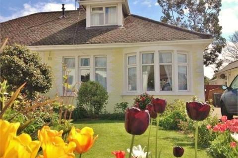 4 bedroom semi-detached bungalow for sale - Park Avenue, Whitchurch