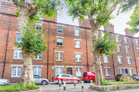 2 bedroom flat to rent - Cromwell Avenue, Hammersmith, W6