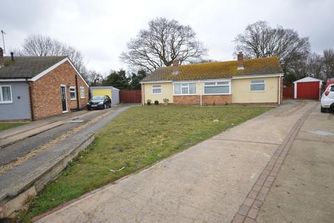 2 bedroom semi-detached bungalow for sale - Brinkley Crescent, Colchester
