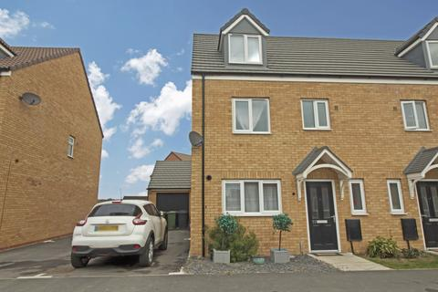 4 bedroom semi-detached house for sale - Bellona Drive, Stanground, Peterborough, Cambridgeshire, PE2